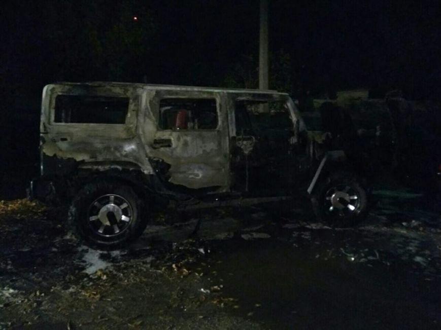 В Кременчуге на штрафплощадке сгорел гонявший по городу HUMMER, фото-1
