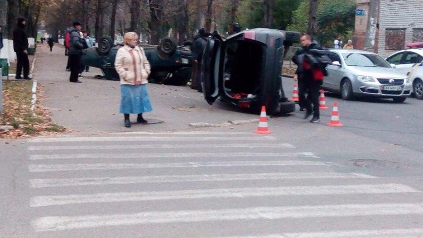 На ХТЗ перевернулись два автомобиля: есть пострадавшие (ФОТО), фото-4