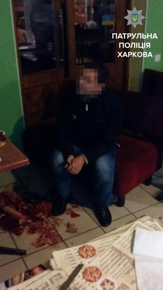 В Харькове мужчина напал с ножом на посетителя кафе (ФОТО), фото-2