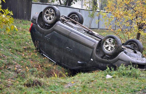 В Кам'яній перекинувся автомобіль, фото-2