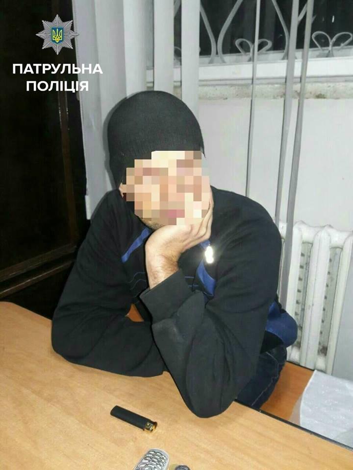 В ночном клубе обворовали мужчину (ФОТО), фото-2