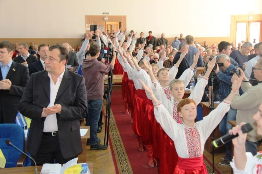 Как в Херсоне женщины-депутаты своих коллег мужчин поздравляли (фоторепортаж), фото-5
