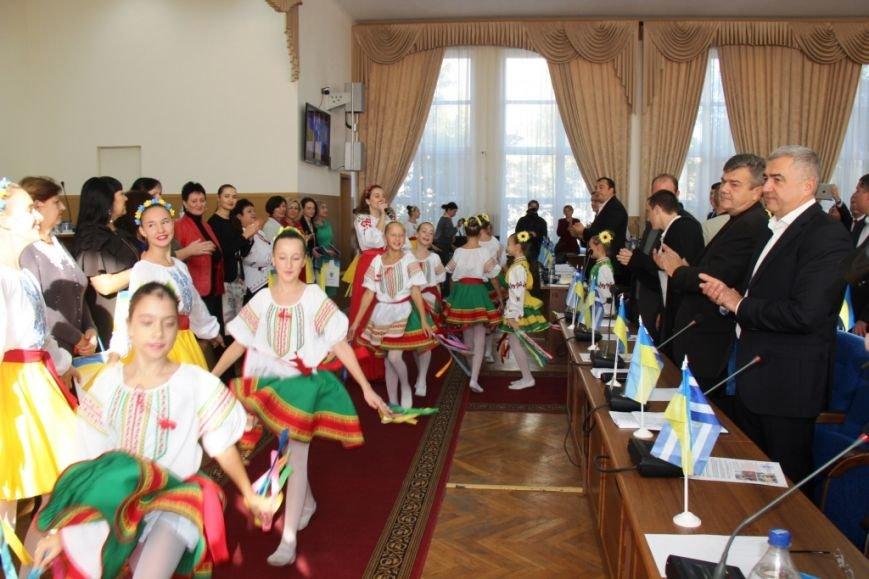 Как в Херсоне женщины-депутаты своих коллег мужчин поздравляли (фоторепортаж), фото-4