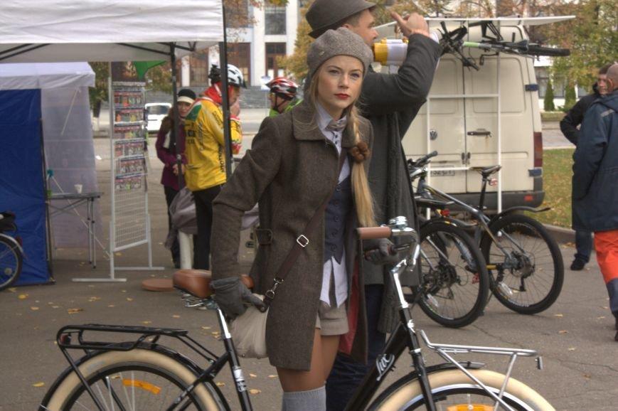 Твид, юбка-макси и кепи: в Харькове прошел костюмированный велопробег (ФОТО), фото-18