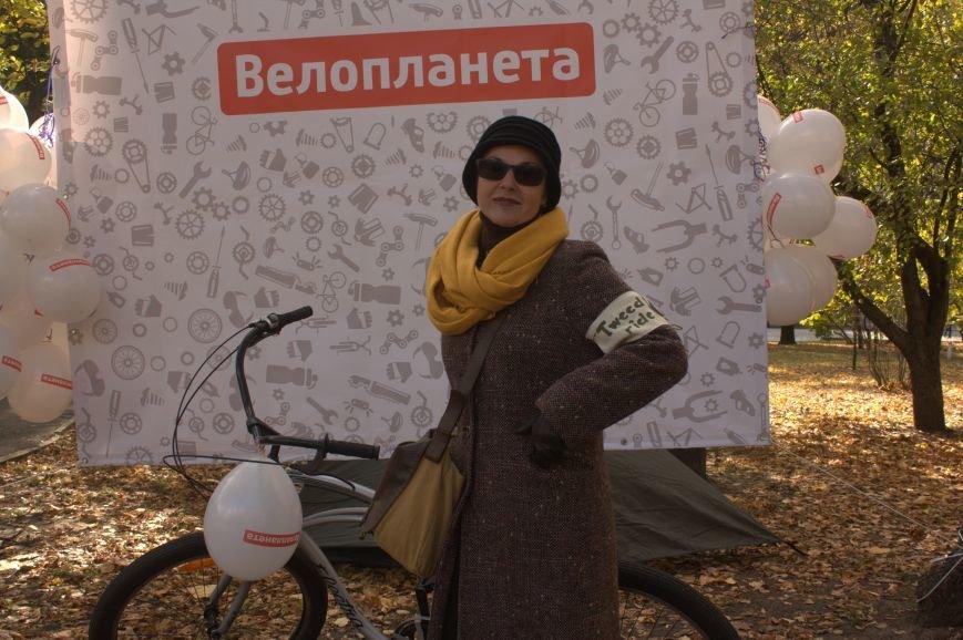 Твид, юбка-макси и кепи: в Харькове прошел костюмированный велопробег (ФОТО), фото-17