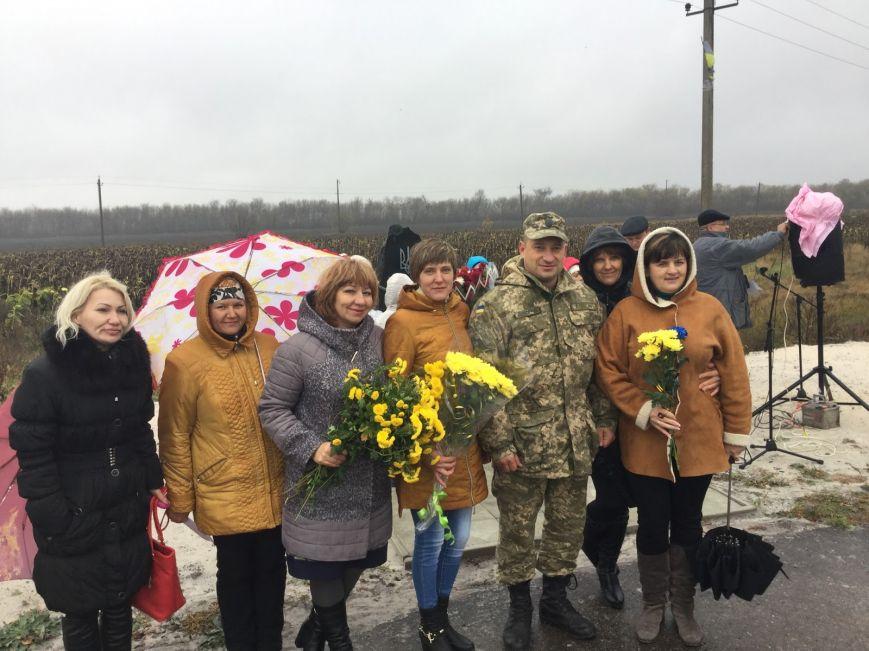 В Добропольском районе прошёл митинг-реквием погибшим воинам ВСУ, фото-4