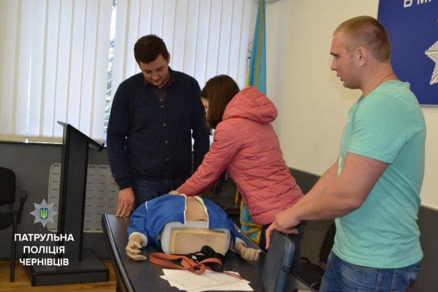 На Буковині патрульних навчають надавати долікарську допомогу (ФОТО), фото-1