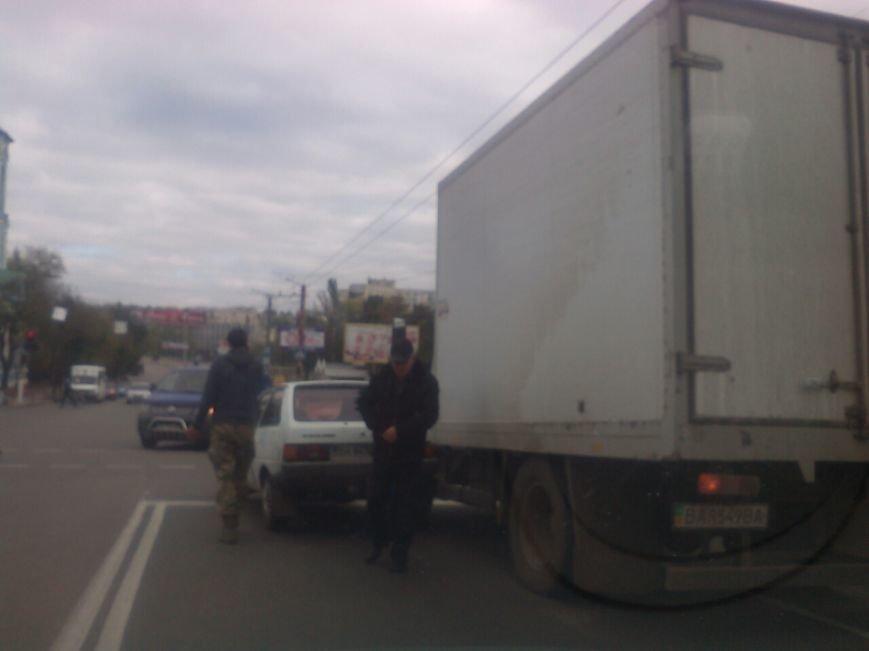 В Кропивницком легковой автомобиль столкнулся с грузовиком. ФОТО, фото-1