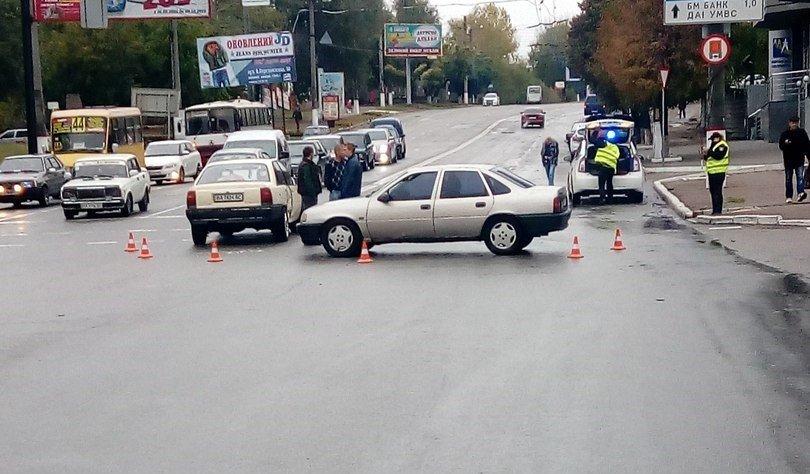 В Кропивницком легковой автомобиль столкнулся с грузовиком. ФОТО, фото-2