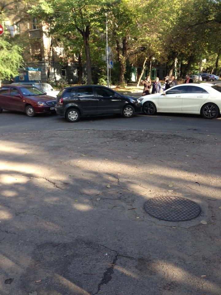 В Запорожье столкнулись три автомобиля, - ФОТО, фото-2