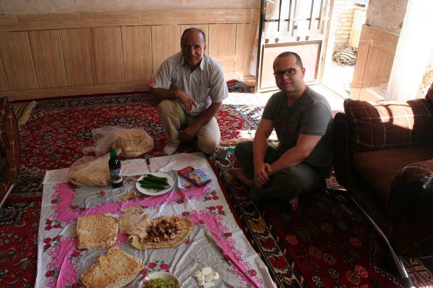 Автостопом по Ирану: о наказаниях плетью, нелегальном гостеприимстве и бараньих мозгах, фото-5