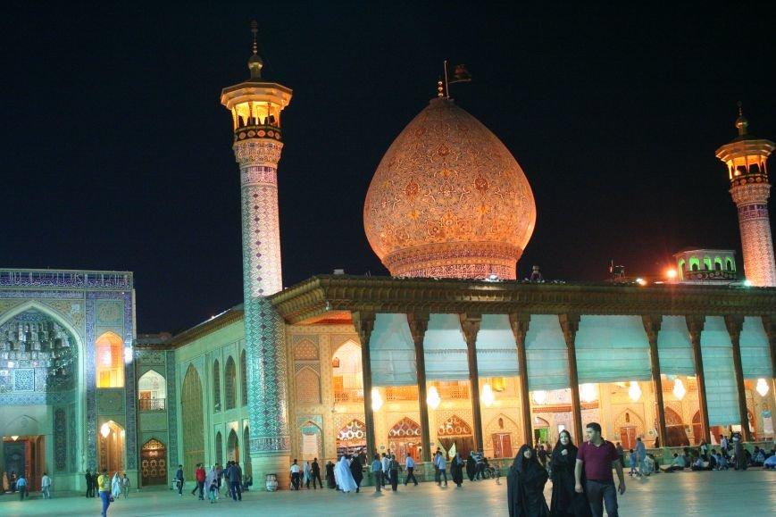 Автостопом по Ирану: о наказаниях плетью, нелегальном гостеприимстве и бараньих мозгах, фото-11