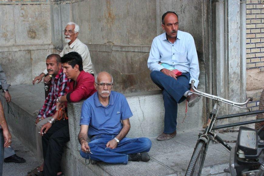 Автостопом по Ирану: о наказаниях плетью, нелегальном гостеприимстве и бараньих мозгах, фото-49