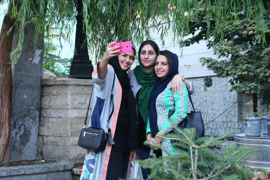 Автостопом по Ирану: о наказаниях плетью, нелегальном гостеприимстве и бараньих мозгах, фото-3