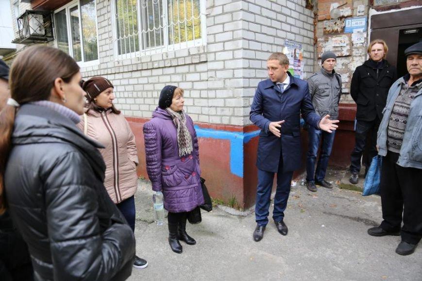 Кременчужане смогут экономить на теплоносителе: на левобережье города началась установка теплосчетчиков в домах, фото-4