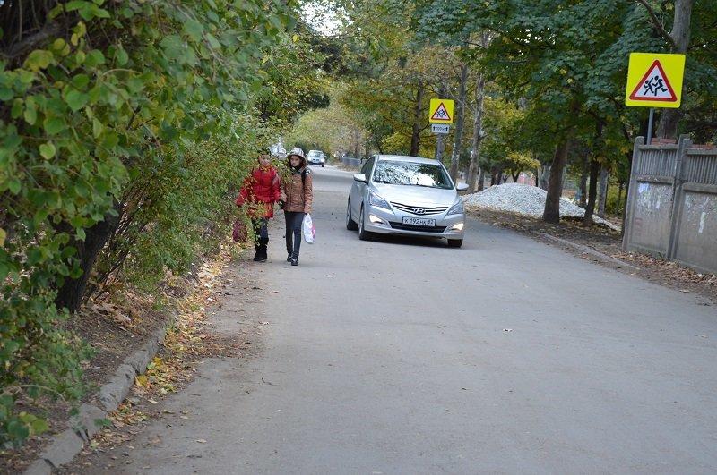 В Симферополе улицу Смольная расширят в два раза, а на ул. Ростовская сделают тротуар вдоль дороги (ФОТО), фото-3