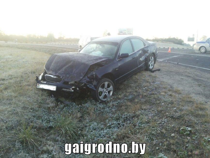 Авария на выезде из Гродно: Мазда ударила Джили в правый бок и вылетела в кювет, фото-4