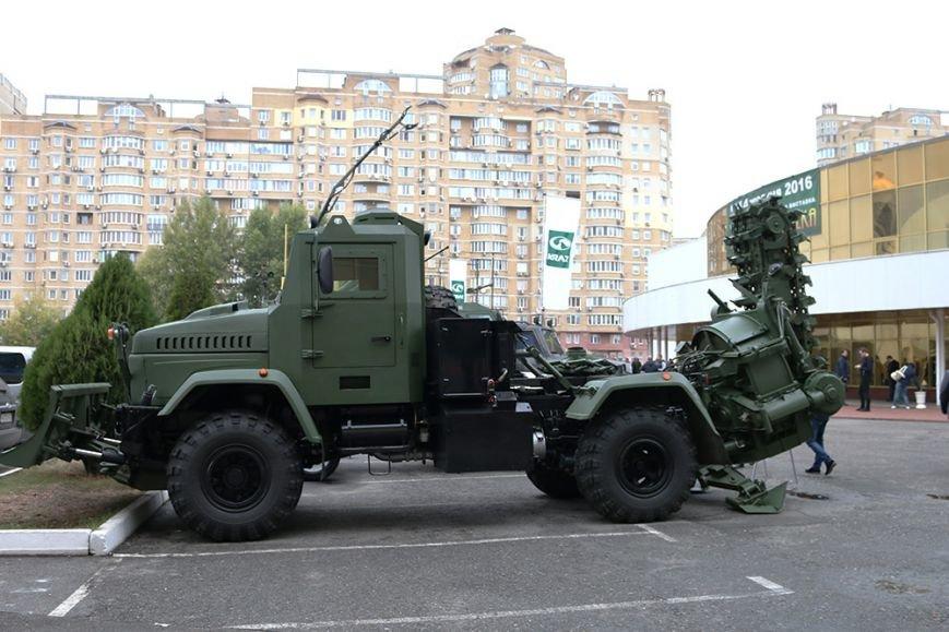 КрАЗ достойно представил свои броневики и вездеходы на выставке «Оружие и безопасность-2016» (ФОТО), фото-12