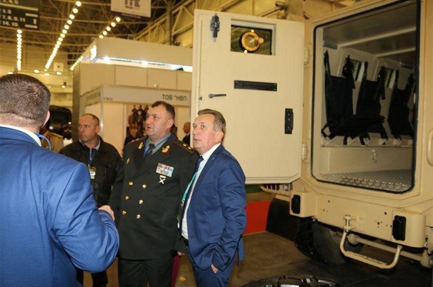 КрАЗ достойно представил свои броневики и вездеходы на выставке «Оружие и безопасность-2016» (ФОТО), фото-7