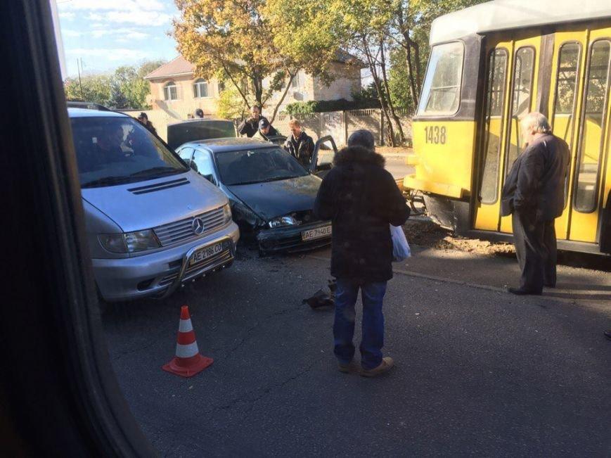 В Днепре из-за ДТП перестал ходить трамвай №15 (ФОТО), фото-2