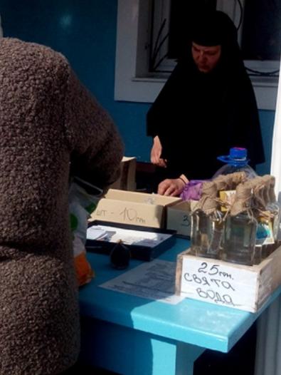 На Тернопільщині біля чудотворного джерела продають святу воду?, фото-1