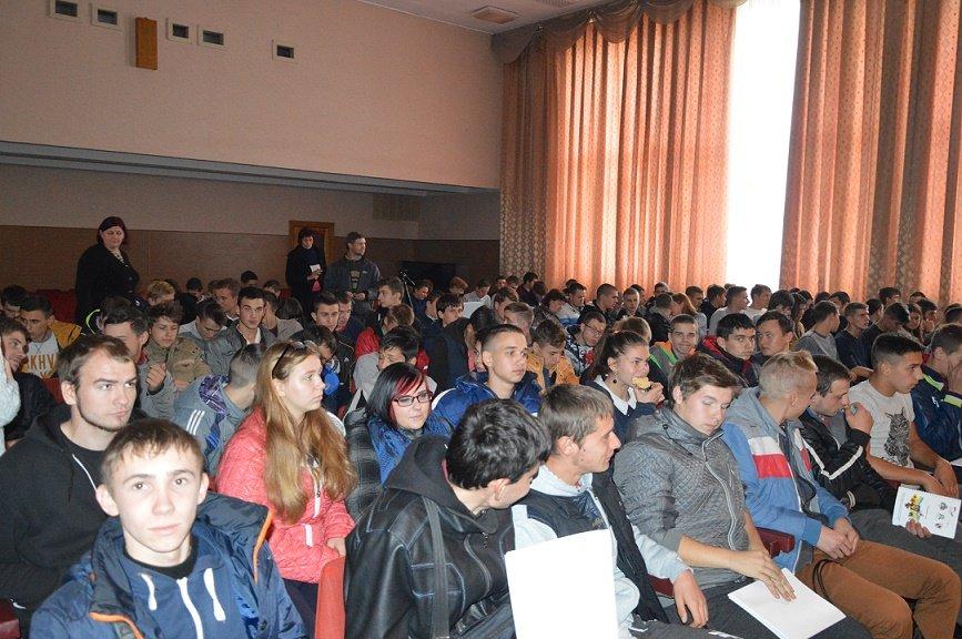 «Странствующий театр» побывал со спектаклями в 15 учебных заведениях Днепропетровщины, фото-3