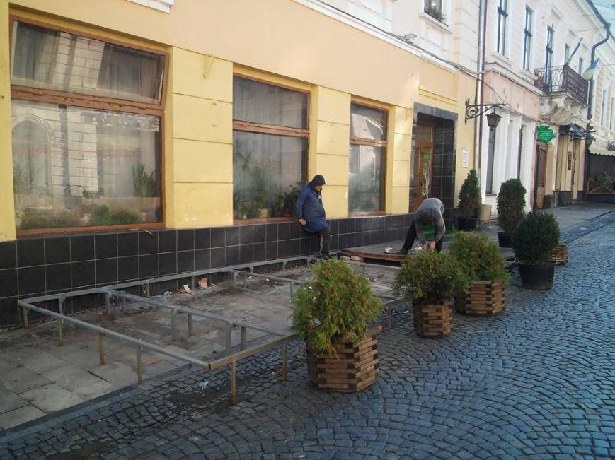 Демонтаж літніх майданчиків у Чернівцях триває, фото-2