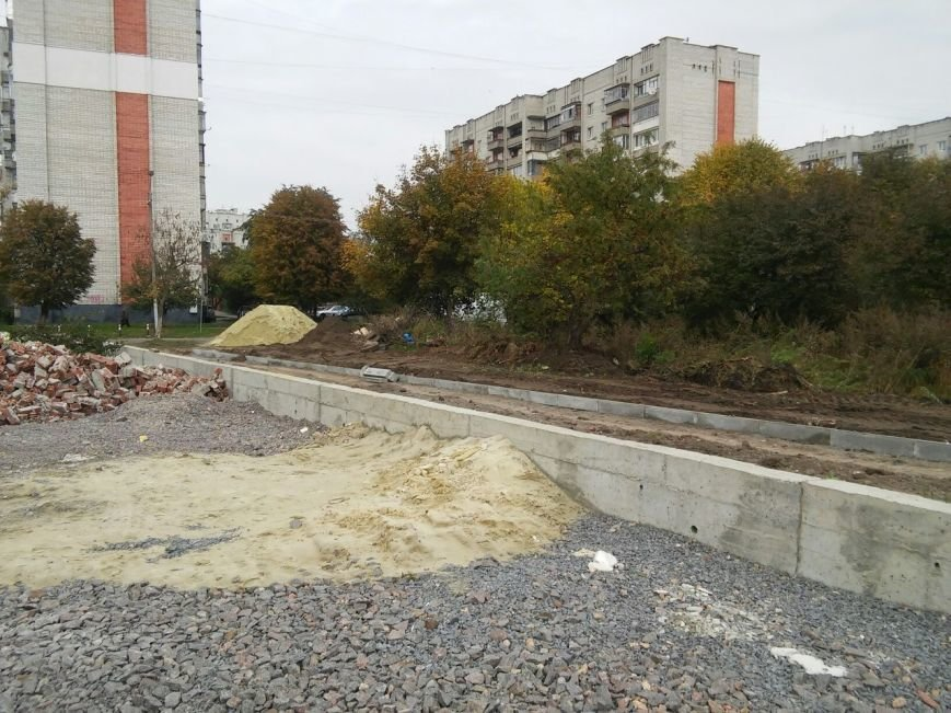 У Львові сквер на вулиці Липинського облаштують за мільйон гривень (ФОТО), фото-6