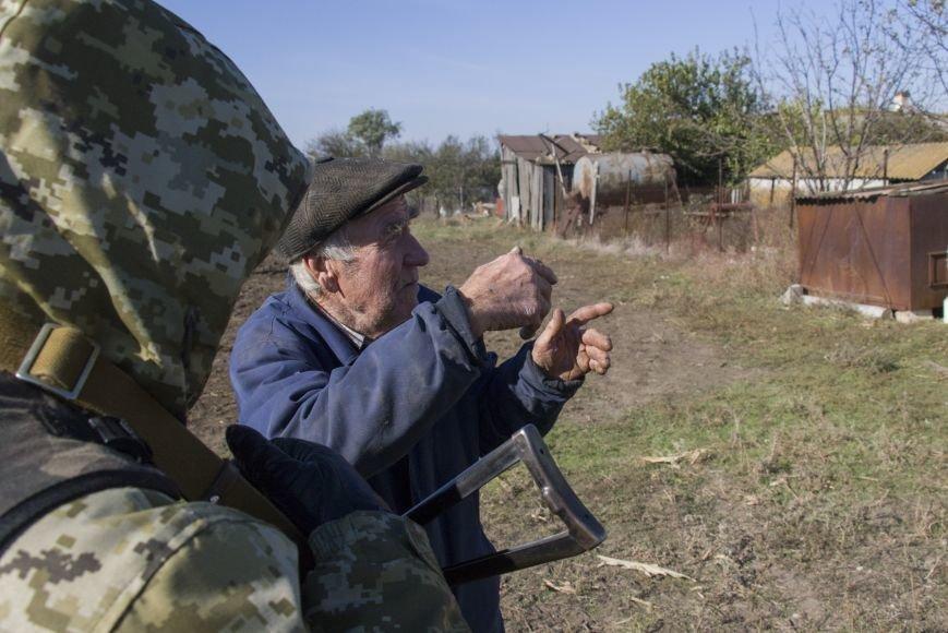 Четыре частных дома попали под обстрел вражеской артиллерии возле КПВВ Гнутово (ФОТО), фото-3
