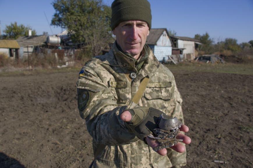 Четыре частных дома попали под обстрел вражеской артиллерии возле КПВВ Гнутово (ФОТО), фото-4