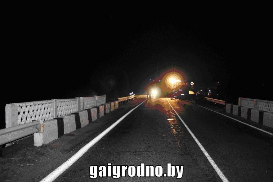 Рядом с Кореличами Тойоту прошило отбойником: водитель погиб, пассажиры - в больнице, фото-2