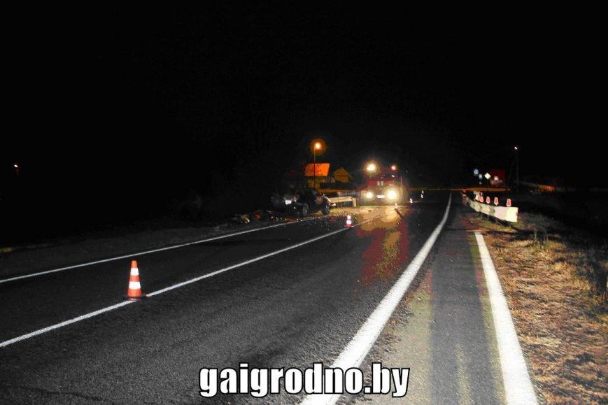 Рядом с Кореличами Тойоту прошило отбойником: водитель погиб, пассажиры - в больнице, фото-3
