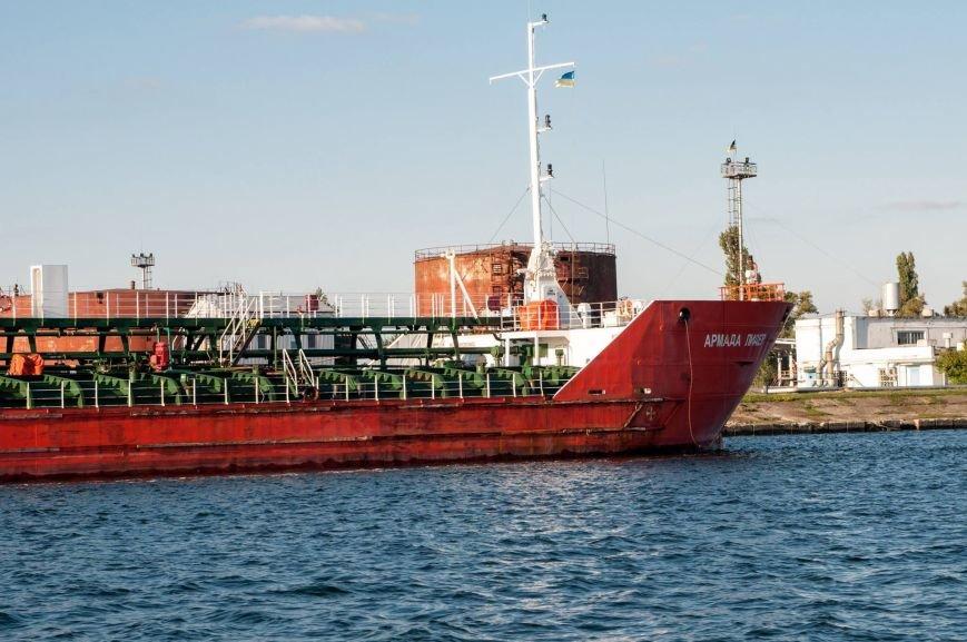 В Херсон зашло российское судно (фото), фото-3