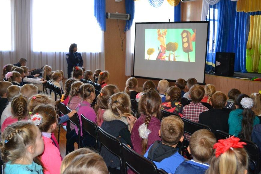 Школьникам Днепропетровщины показали веселые мультфильмы о правилах поведения на дороге (ФОТО), фото-3