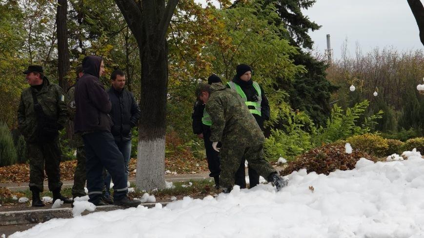 "В Мариуполе на пр. Нахимова выпал ""снег"" (ФОТОРЕПОРТАЖ, ВИДЕО), фото-15"