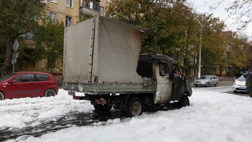"В Мариуполе на пр. Нахимова выпал ""снег"" (ФОТОРЕПОРТАЖ, ВИДЕО), фото-12"