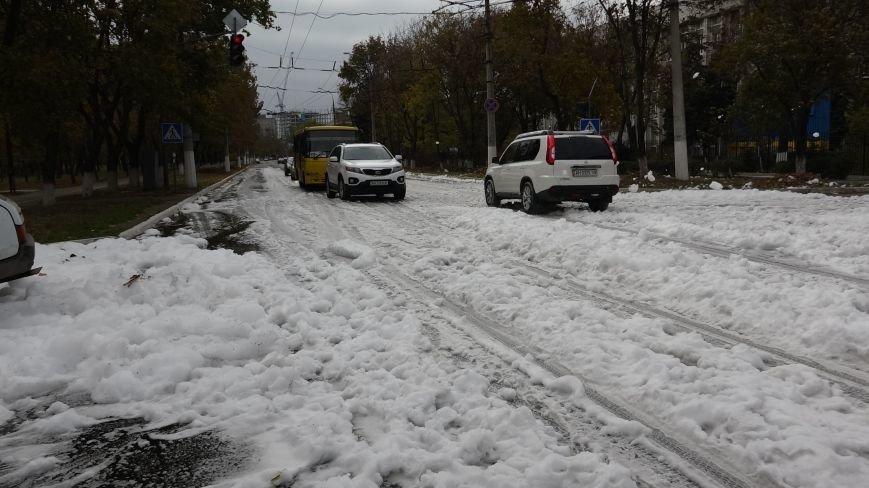 "В Мариуполе на пр. Нахимова выпал ""снег"" (ФОТОРЕПОРТАЖ, ВИДЕО), фото-4"
