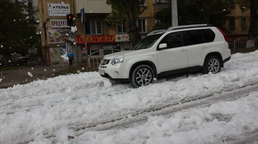 "В Мариуполе на пр. Нахимова выпал ""снег"" (ФОТОРЕПОРТАЖ, ВИДЕО), фото-3"