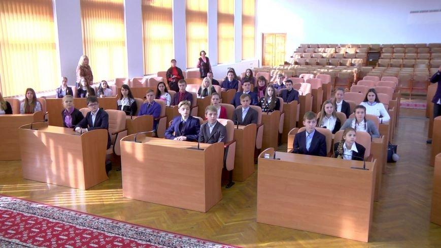 Для школьников Каменского провели экскурсию по городскому совету, фото-5