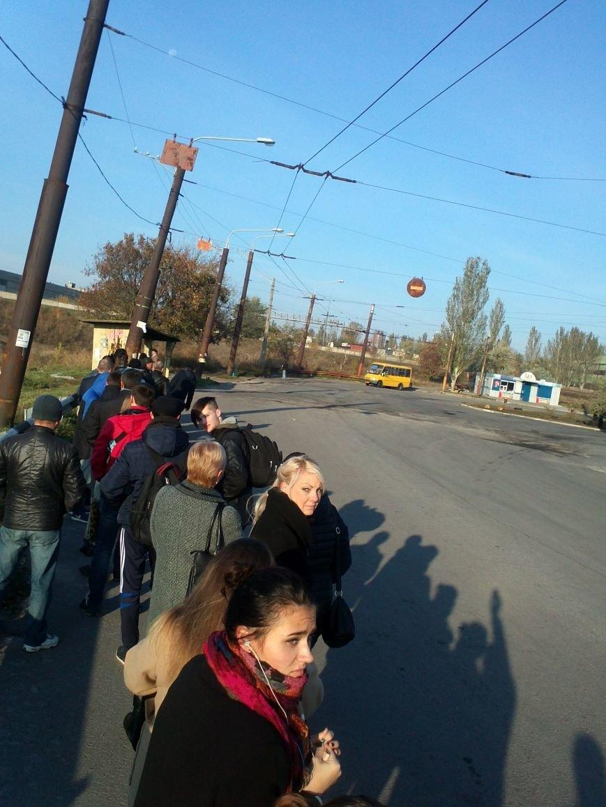 Запорожцы жалуются, что маршрутка №61 стала реже ходить, фото-1