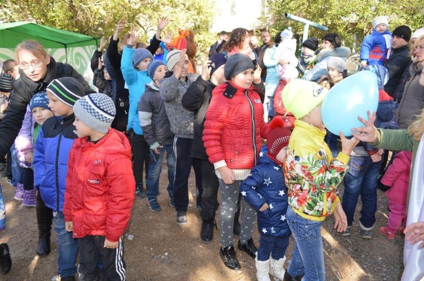 У детей Енакиево появилось ещё одно место для игр, фото-5