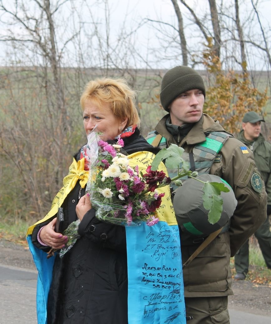 Вблизи Бахмута установили памятник погибшим в ДТП бойцам батальона имени Кульчицкого, фото-1