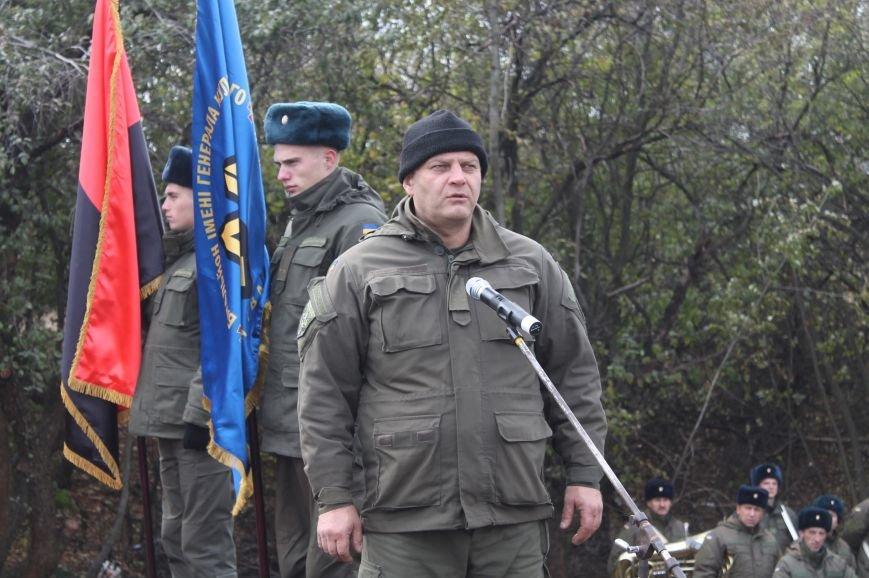 Вблизи Бахмута установили памятник погибшим в ДТП бойцам батальона имени Кульчицкого, фото-9