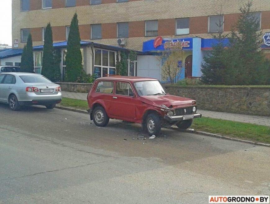 В Гродно водитель умудрился за час на отрезке 150 метров устроить два ДТП, фото-1