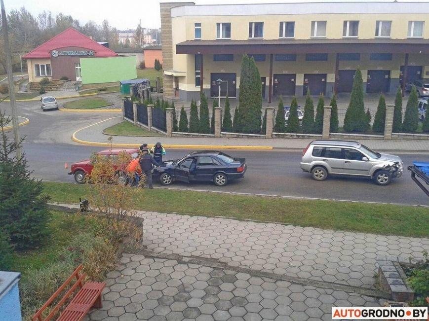 В Гродно водитель умудрился за час на отрезке 150 метров устроить два ДТП, фото-2
