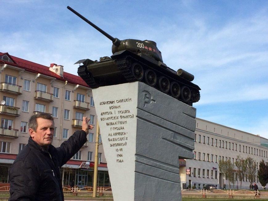 В центре Гродно неизвестные обокрали танк-памятник, фото-2