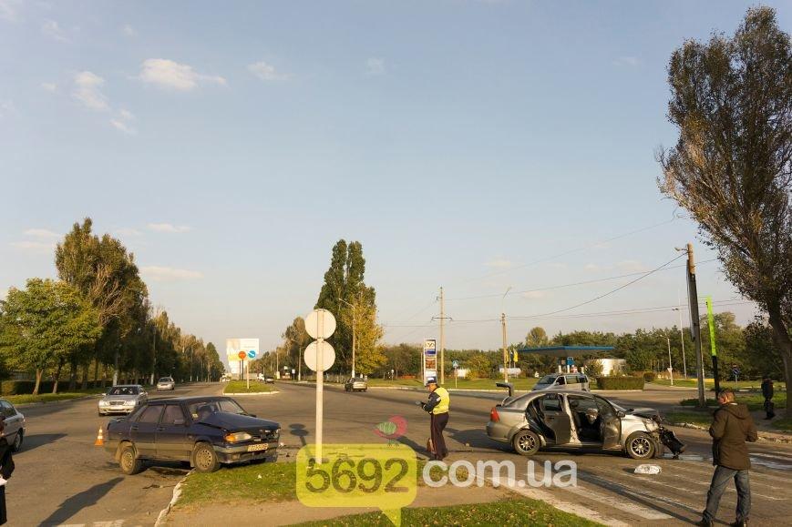 В Каменском на Куриловском перекрестке произошло ДТП с пострадавшими, фото-4