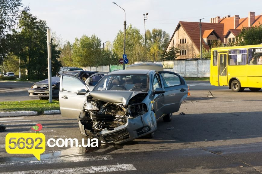В Каменском на Куриловском перекрестке произошло ДТП с пострадавшими, фото-5