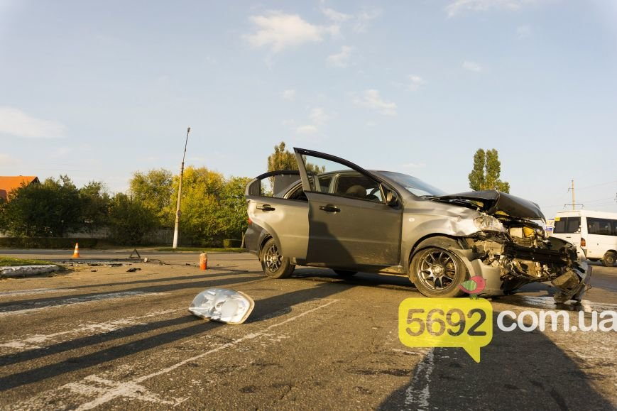 В Каменском на Куриловском перекрестке произошло ДТП с пострадавшими, фото-2