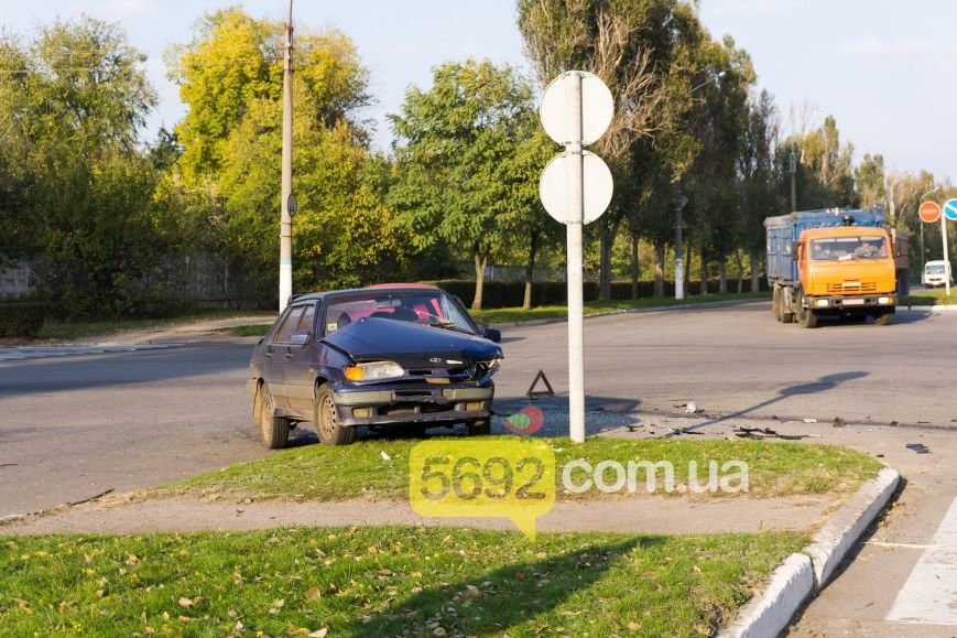 В Каменском на Куриловском перекрестке произошло ДТП с пострадавшими, фото-7
